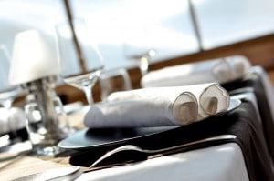 Une Table du restaurant gastronomique le rosebud au lavancher dans la vallée de Chamonix
